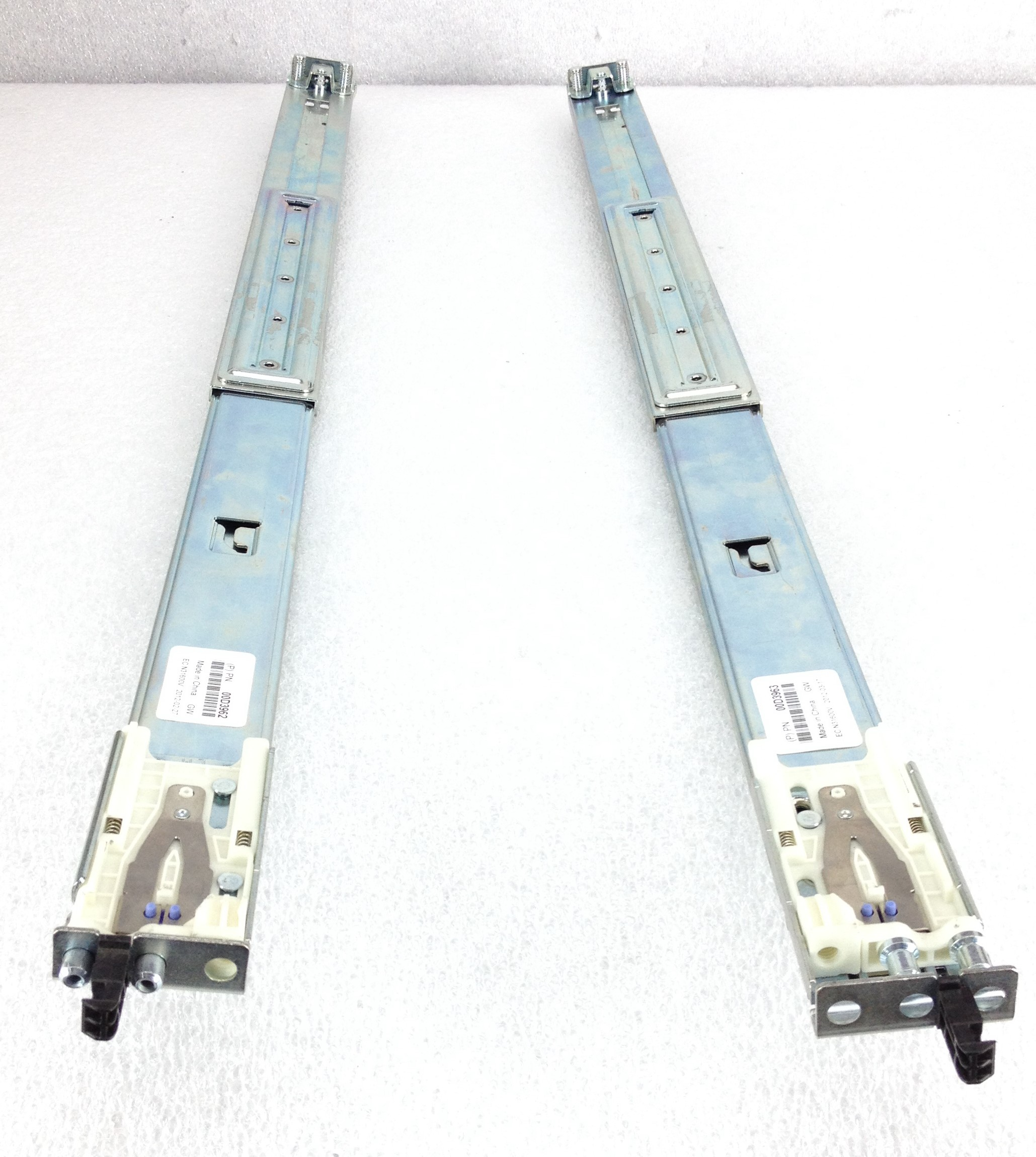 IBM xSeries X3650 X3750 M4 Server Access Rail Kit (00D3962)