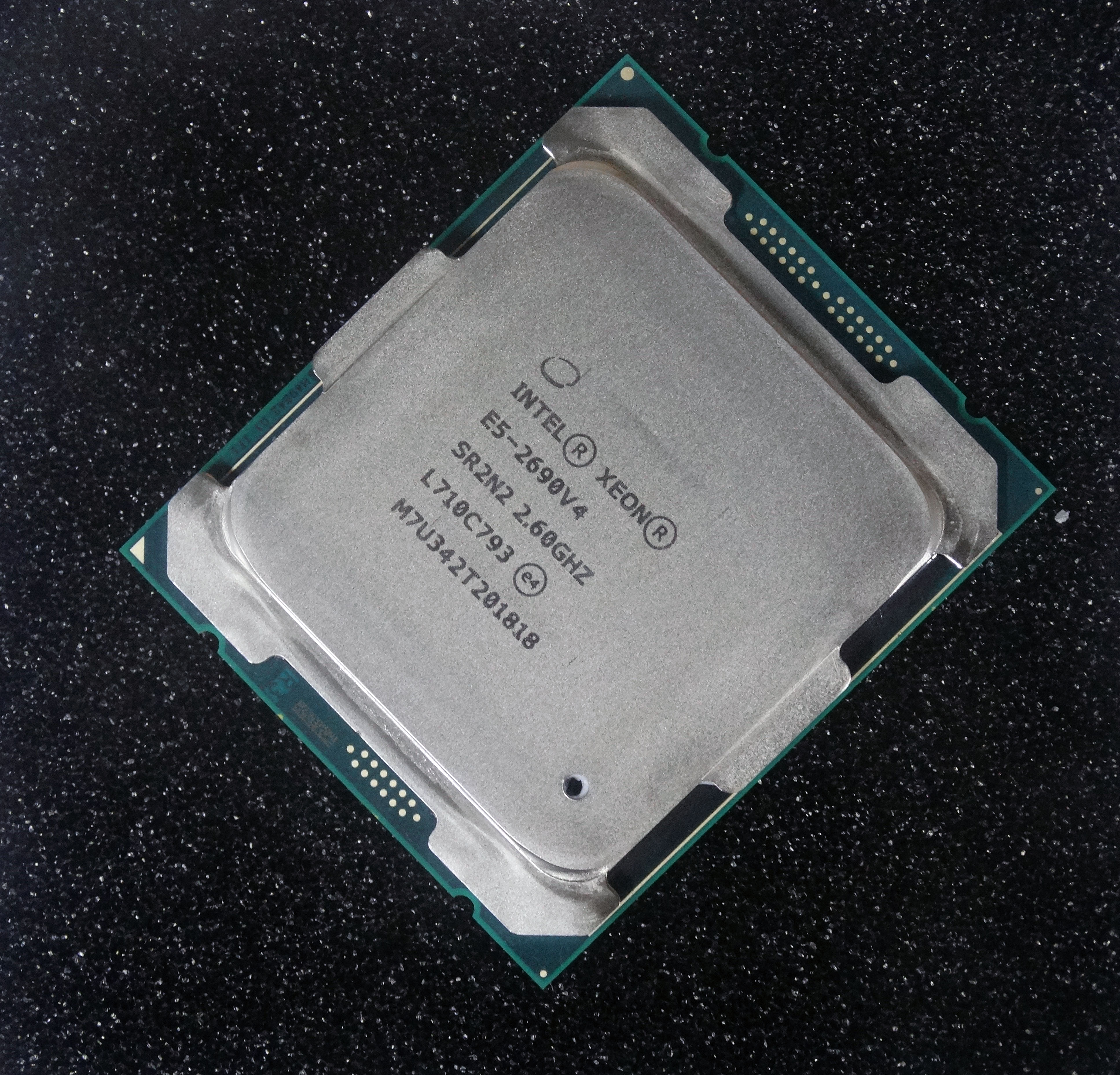 Intel Xeon E5-2690 v4 2.6GHz 14-Core Processors