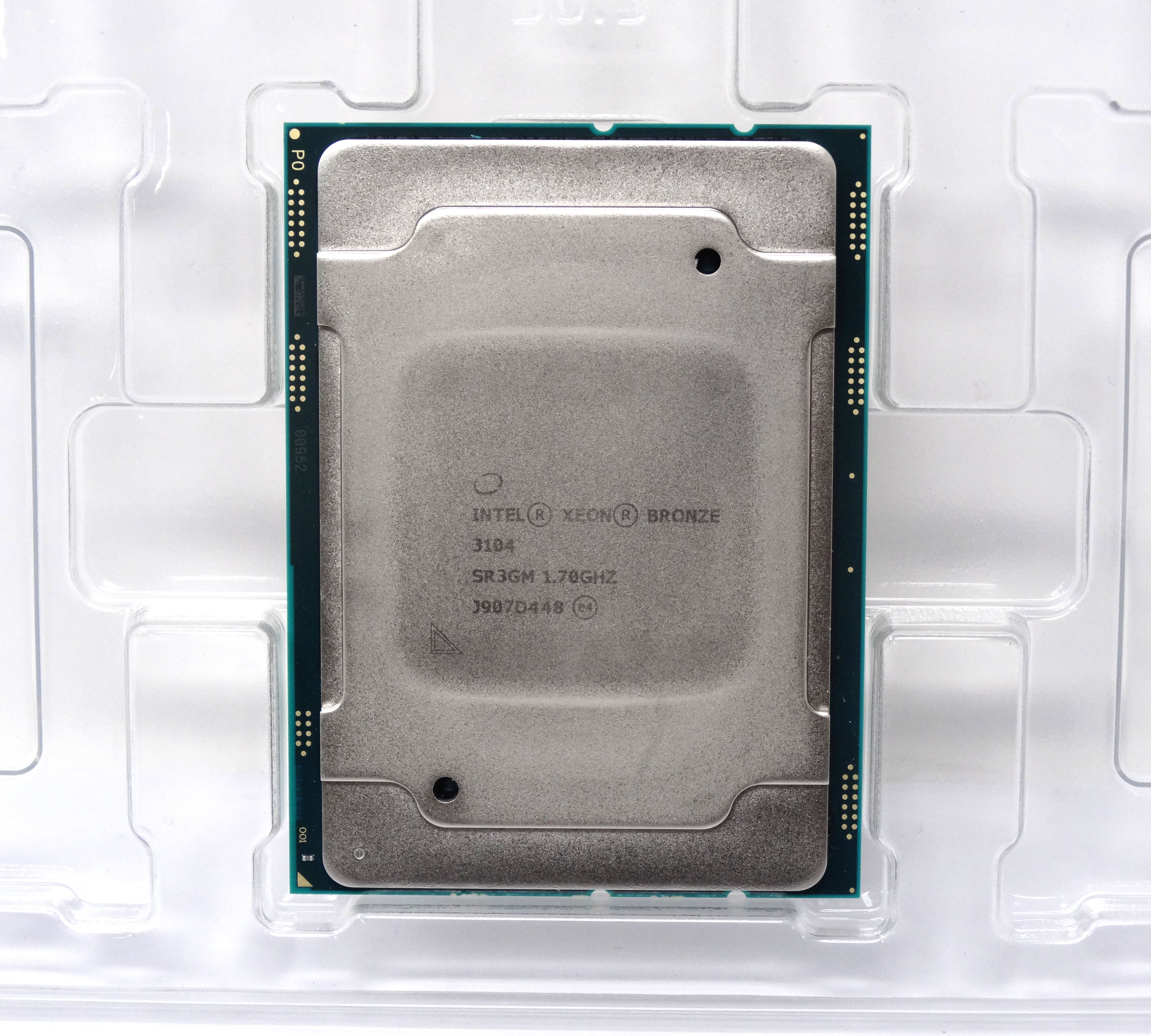 - CPU Only Intel Xeon Bronze 3104 6 Cores 1.7GHz 8.25MB CPU LGA 3647 Processor (P01880-B21 - CPU ONLY)